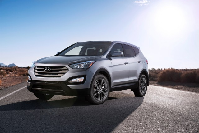 2013 Hyundai Santa Fe Review, Photos & Price