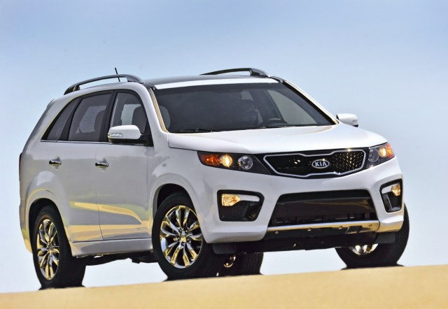 2013 Kia Sorento Review, Photos & Price