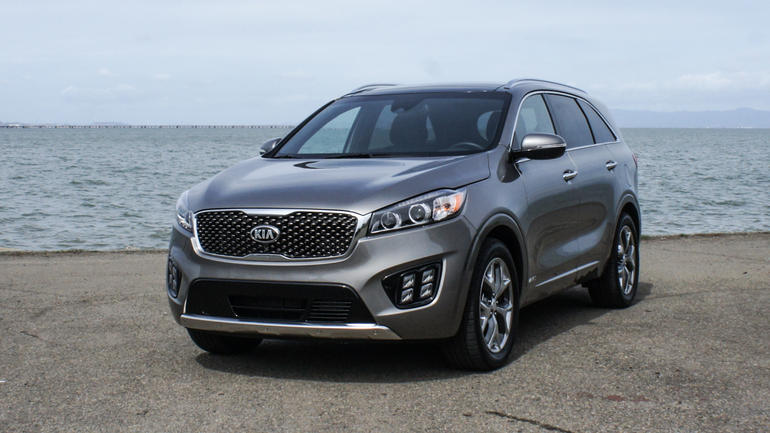 10 best 4 cylinder suvs of 2016 reviews sortable list for Kia motor finance physical payoff address