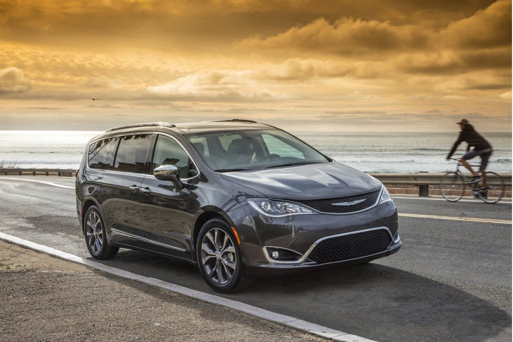 2017 Chrysler Pacifica Review Seating Capacity 3rd Row