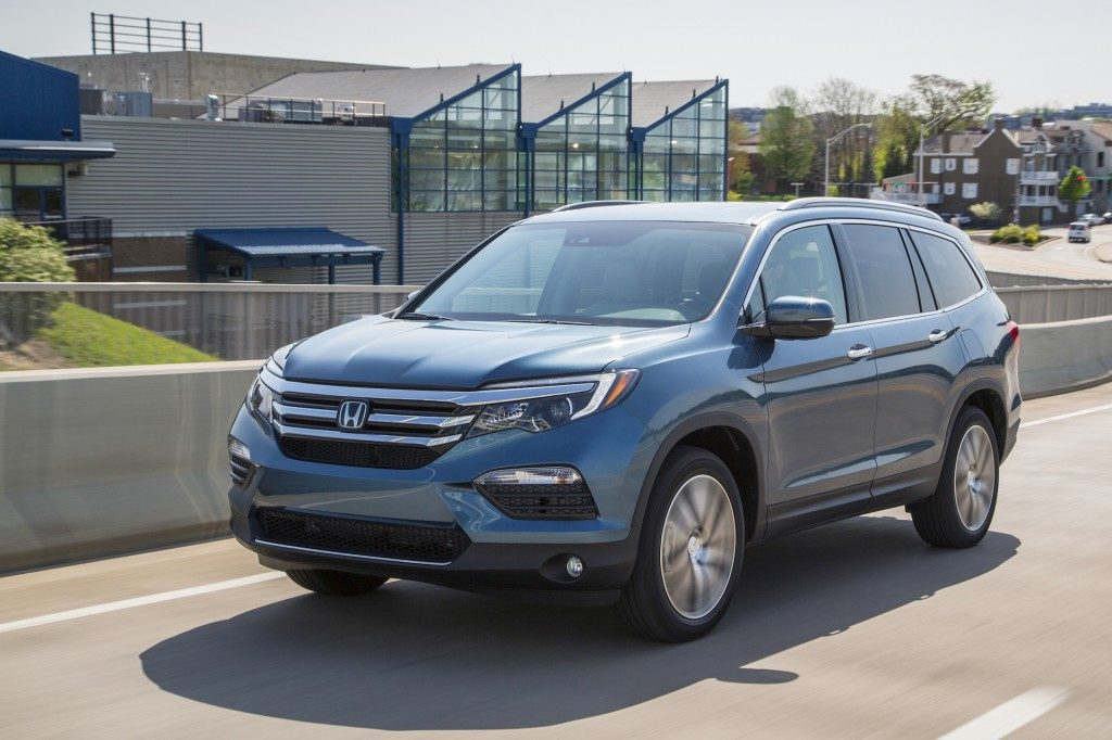 2017 honda pilot review seating capacity 3rd row